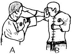 Défense avec la paume de main sur une tentative de saisie