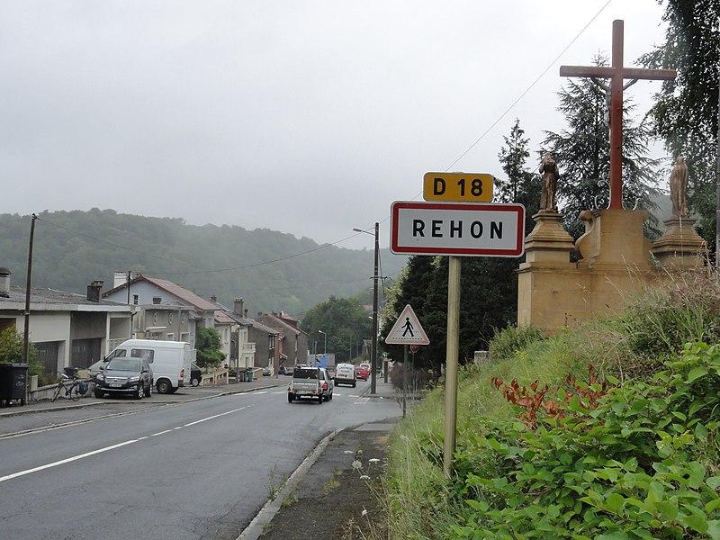 Réhon (Meurthe-et-M.) city limit sign and calvary