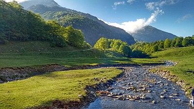 Río Joeu en el Valle de Artiga de Lin.jpeg
