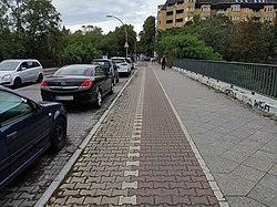 Radweg Eschersheimer Straße Neukölln.jpg