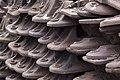 Rail track shoes (3421241799).jpg