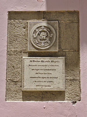 Ricardo Alegría - Plaque honoring him
