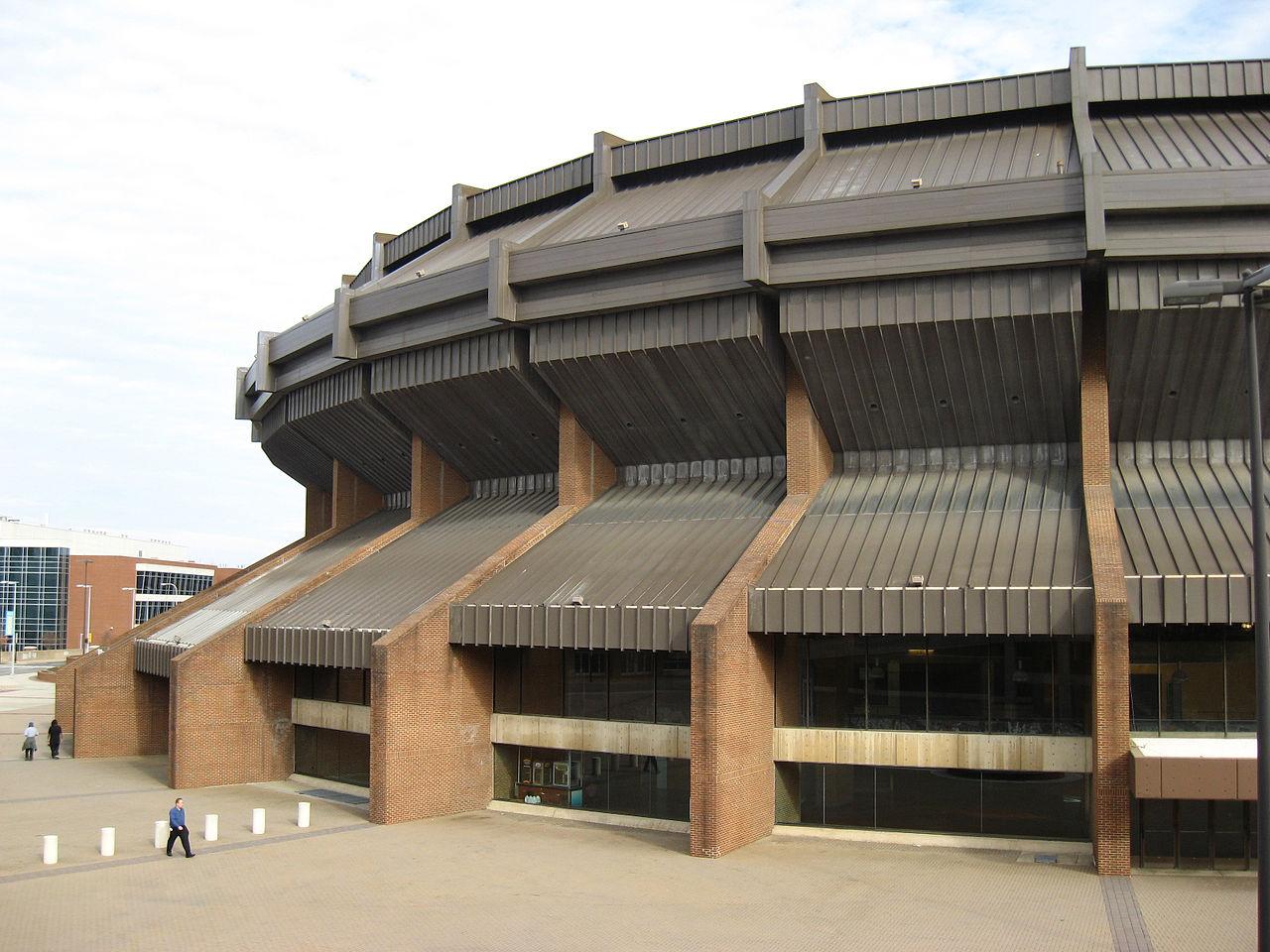 1280px-Richmond_Coliseum.jpg