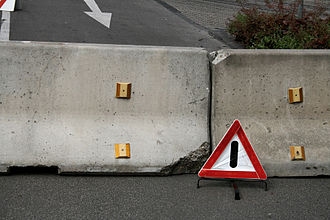 Jersey barrier - Jersey barriers on the road
