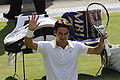 Roger Federer at the 2009 Wimbledon Championships 01.jpg