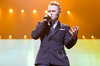 Ronan Keating - 2016330211204 2016-11-25 Night of the Proms - Sven - 1D X II - 0485 - AK8I4821 mod.jpg