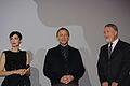 Rooney Mara, Daniel Craig and David Fincher (2012) 3.jpg