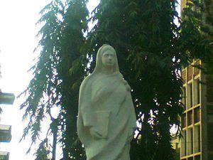 Begum Rokeya - Statue of Begum Rokeya on the premises of Rokeya Hall, University of Dhaka