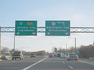 Atlantic City Expressway - The beginning of the eastbound Atlantic City Expressway in Turnersville from southbound Route 42