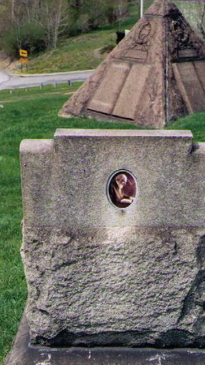 Picture of the backside of the tombstone of Ch...
