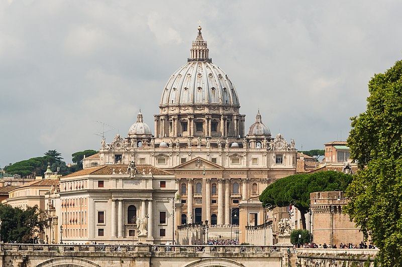 Saint Peter%27s Basilica facade, Rome, Italy.jpg