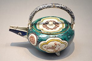 Kutani ware - Ko-Kutani (old Kutani) five colours Iroe type sake ewer with bird and flower design in overglaze enamel, Edo period, 17th century