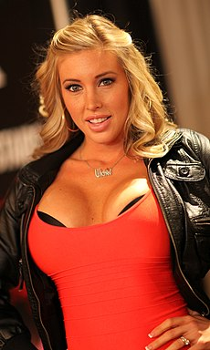 Samantha Saint - AVN Expo Photos Las Vegas 2013 (8423013358).jpg