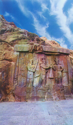 Scene outside the Taq Bostan arch, crowning ceremony of Ardashir II.png