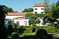 Schloss Ambras Park und Garten 03.jpg