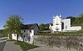 Schlosshofen Außenansicht 2017 Front Türme-und-Raitenauerhaus.jpg