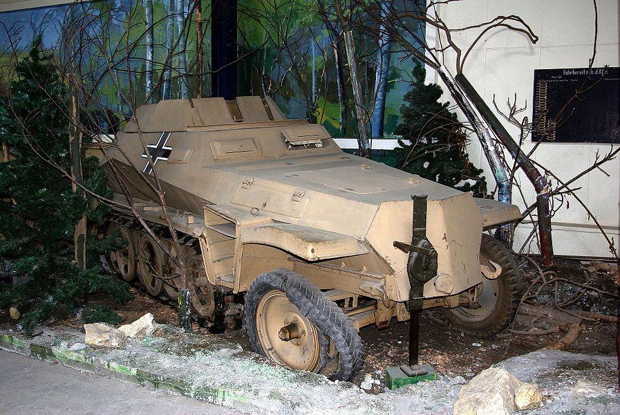 SdKfz 250/9 Ausf. A du Musée des Blindés de Saumur.