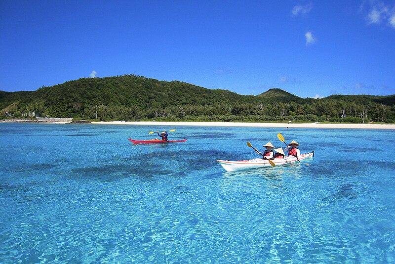 File:Sea kayaking Zamami Okinawa.jpg