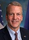 Il senatore Dan Sullivan ufficiale (ritagliate) .jpg