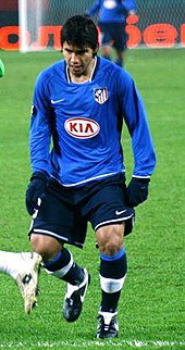 Agüero playing for Atlético Madrid in October 2007. 9223e825e