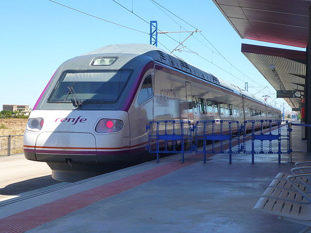 Renfe S-104 AVE trains have a maximum speed of 250 km/h