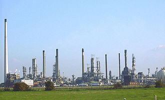 Shell Haven - Shell Haven Refinery shortly before decommissioning in 1999.