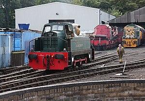 London Underground diesel locomotives - Ex-London Transport Sentinel shunter DL83 at the Nene Valley Railway