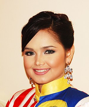 Siti Nurhaliza - Siti Nurhaliza backstage during Konsert Suara Hati Sudirman Arshad, a tribute concert in April 2007.