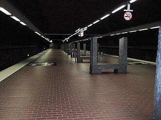 Skarpnäck metro station - Image: Skarpnack T bana perrong