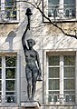Skulptur Fackelträgerin - Eduard Schmitz jun (2524-26).jpg