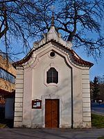 Smíchov, kaple Nanebevzetí Panny Marie zpředu.jpg