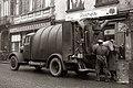 Smetarji z novim vozilom v Mariboru 1956.jpg