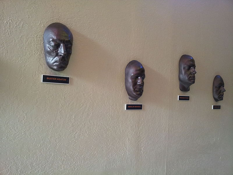 File:Snap from Wax Museum at Innovative Film city Bangalore 144026.jpg