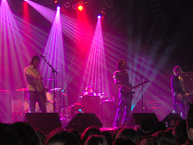 Snow Patrol at Roseland Ballroom in 2005.jpg