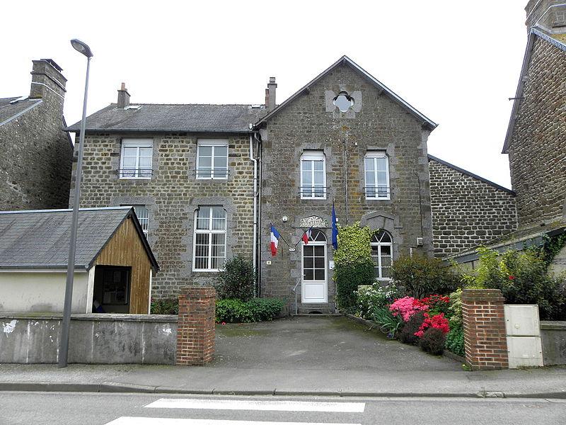 Mairie de Soucé (53).
