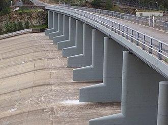 South Para Reservoir - Image: South Parra Reservoir bridge