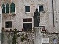 Statue of George the Dalmatian - panoramio.jpg