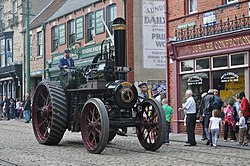 Steam traction engine PT 1916, Town, Beamish Museum, 1 September 2011.jpg