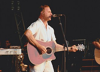 Steve Harley - Steve Harley live at GuilFest in 2004.