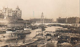 Republic of China (1912–1949) - Boat traffic and development along Suzhou Creek, around 1920, Shanghai
