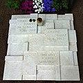 Sylke Tempel, Friedhof Heerstraße - Mutter Erde fec .JPG