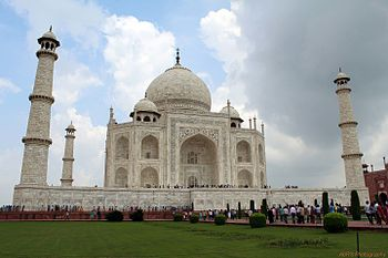 Taj Mahal - a beauty on earth.jpg