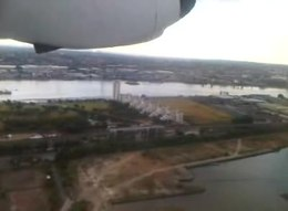 Datei:Take-off-at-LCY.ogv