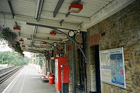 Thamesditton1shelter.jpg
