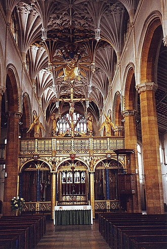 Ninian Comper - The spectacular interior of St Mary's, Wellingborough