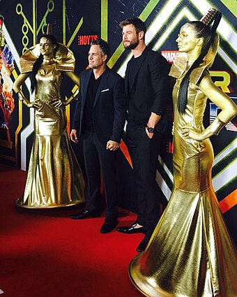 Mark Ruffalo (center left) and Chris Hemsworth (center right) at the Sydney premiere of Thor: Ragnarok Thor Premiere (37779787096).jpg