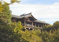 http://upload.wikimedia.org/wikipedia/commons/thumb/0/0e/Tofukuji_Tsutenkyo.jpg/200px-Tofukuji_Tsutenkyo.jpg