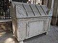 Tomb of Dante 08.jpg