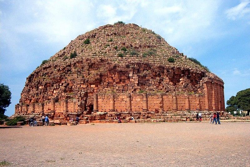 Tipaza et le tombeau de la Chrétienne