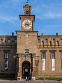 Torre dell'orologio, fronte verso la piazza.jpg